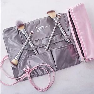 It Cosmetics Brush Roll + Makeup Bag